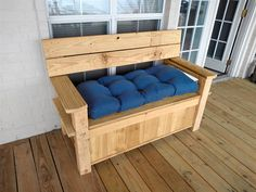 A reader shares his ingenious solution for safeguarding delivered packages Front Porch Seating, Front Porch Garden, Porch Storage Bench, Storage Baskets, Porch Table, Diy Table, Wood Table, Cedar Cladding, Building A Porch