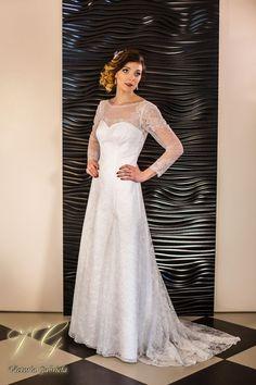 Suknia ślubna nr 11 z kolekcji Lumiere #victoriagabriela #weddingdress