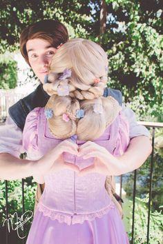 This is soooo cute I'm gonna cry. Rapunzel & Flynn at Walt Disney World Disney Tangled, Disney Magic, Disney Princess, Disney Fairies, Merida Disney, Princess Rapunzel, Princess Bubblegum, Disney Dream, Disney Love