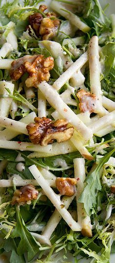 Honey Crisp Apple Salad w/ Candied Walnuts and Spiced Cider Vinaigrette! - - Honey Crisp Apple Salad w/ Candied Walnuts and Spiced Cider Vinaigrette! This salad is absolutely amazing. The salad dressing itself is to die for. Yummy Recipes, Vegetarian Recipes, Dinner Recipes, Cooking Recipes, Healthy Recipes, Apple Recipes, Honey Recipes, Recipes For Salads, Tasty Salad Recipes