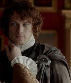Starz Outlander. Jamie, Duke of Sandringham's hand.....