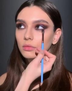 PAT McGRATH LABS | Metallic Purple Eyes Makeup, Glowing Cheekbones, Lined Lips Video ⚡⚡ Achieve an iridescent, galaxy-like eye with Mothership III: Subversive eyeshadow palette. Complete the look with SKIN FETISH: HIGHLIGHTER + BALM DUO in 'NUDE' to add a pearly, shimmery finish to your cheekbones & Permagel Ultra Lip Pencil in 'STAR STRUCK' paired with LUST: Gloss shade 'ALIENGELIC' for a kissable, two-toned pout. ⚡⚡ SHOP now PATMcGRATH.COM. Smokey Eyeshadow, Eyeshadow Palette, Old Makeup, Hair Makeup, Lip Tutorial, Pakistani Fashion Party Wear, Purple Eye Makeup, Formal Makeup, Makeup Inspiration