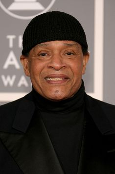 Al Jarreau Photos: Annual Grammy Awards - Arrivals. Musician Al Jarreau arrives at the Annual Grammy Awards at the Staples Center on February 2007 in Los Angeles, California. Rest In Heaven, Al Jarreau, Smooth Music, Hes Gone, The Power Of Music, New Heart, Black Media, Great Artists, Awards