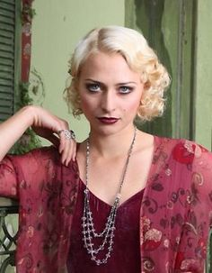 WHEN New Zealand actor Chelsie Preston Crayford auditioned to play Sydney crime queen Tilly Devine in the latest Underbelly series, inspiration came in the form of an unlikely muse. 20s Fashion, Art Deco Fashion, Vintage Fashion, Vintage Style, The Great Gatsby, Roaring Twenties, Preston, 1920s, Vintage Inspired