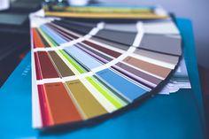 Um poderoso instrumento de comunicação através das roupas: a cor. Veja significados;