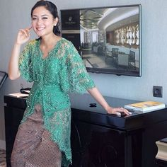 Trendy How To Wear Kimono Clothes 38 Ideas Kebaya Lace, Kebaya Hijab, Kebaya Brokat, Batik Kebaya, Kebaya Dress, Kebaya Muslim, Batik Dress, Silk Dress, Dress Up