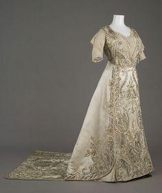 Evening gown, 1911  Silk satin, silk floss, crystal beads, rhinestones, metallic lace  Paris Weeks  Bertha Palmer attended the coronation of...