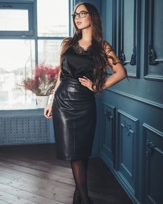 Seeing the beauty in transwomen and elegant leather and latex Ask me anything Archive / RSS Skirt Outfits, Sexy Outfits, Sexy Dresses, Fall Outfits, Black Leather Dresses, Leather Skirts, Leather Boots, Leder Outfits, Sexy Skirt