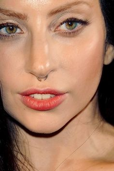 Celebrity photos that are really close-up. Celebrities with bad skin, nose jobs, hair transplants, bad teeth. Lady Gaga Face, Lady Gaga Pictures, Angelic Pretty, Young Female, Little Monsters, Celebs, Celebrities, Our Lady, Pretty People