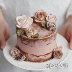LAFONTE flower cake. Korean buttercream flowers. A semi-naked wedding cake for myself:)