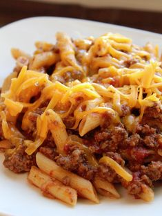 Crock Pot Cheesy Pasta and Beef Casserole