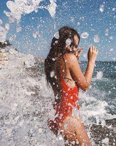 Gorgoeus teen big boobed mum in professional photoshoot in bikini swimwear at the beach. Shotting Photo, Beach Poses, Beach Photography Poses, Summer Poses Beach, Beach Fashion Photography, Swimming Photography, Photography Ideas, Artistic Photography, Poses On The Beach