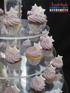 mini-star cupcakes