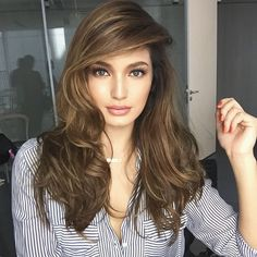 The List: Best Bombshell Hair Sarah Lahbati Hair Color For Asian Skin, Hair Color For Warm Skin Tones, Hair Color For Morena Skin, Hair Color And Cut, Hair Colours, Perfect Hair Color, Cool Hair Color, Sarah Lahbati, Bombshell Hair