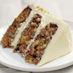 Ultimate Classic Carrot Cake Who would've guessed pineapple, applesauce and carrots could be part of such a satisfyingly sweet dessert?Who would've guessed pineapple, applesauce and carrots could be part of such a satisfyingly sweet dessert? Just Desserts, Delicious Desserts, Dessert Recipes, Yummy Food, Carrot Cake Recipes, Carrot Cake With Applesauce Recipe, Amazing Carrot Cake Recipe, Ultimate Carrot Cake Recipe, Carrot Cupcake Recipe