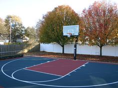 Home & Backyard Basketball Court Photos Home Basketball Court, Backyard Basketball, Custom Basketball, Sports Basketball, Basketball Stuff, Dalle Pvc, Bali, Sports Shoes For Girls, Miller Homes