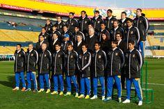 Los jugadores de Tigres lucieron con uniforme para el frío en su foto oficial.