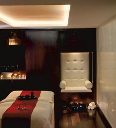 Spa treatment room @ The Ritz-Carlton Moscow