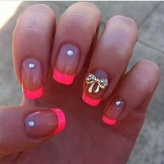 bow-clear-coral-diamond-nails
