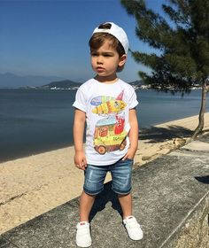 Dia lindo com look lindo ☀️ T-shir Fashion Kids, Toddler Boy Fashion, Little Boy Fashion, Toddler Boy Outfits, Toddler Boys, Baby Boy Swag, Cute Baby Boy, Boys Summer Outfits, Little Boy Outfits