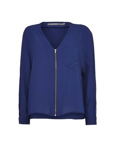 Ariana top - Women's shirt in soft silk. Features front zip fastening, chest pocket and pleat detail at the back. Boxy fit that hits below the hip.