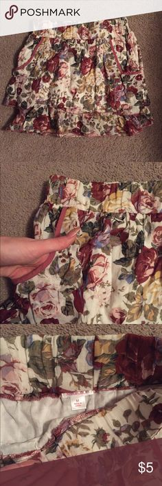 Floral skirt Elastic waist floral skirt with pockets. High waisted. From target. Xhilaration Skirts