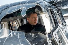 'Spectre' Review: A Dim Ghost of 007's Past