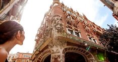 Explore an icon of Barcelona's Modernist architecture on a guided tour of the Palau de la Música Catalana, with access to areas of the iconic building normally off limits to the public. Admire refined architectural details, and more. Concert Tickets, Concert Hall, Pirate Cruise, Famous Buildings, Grand Staircase, Round Trip, Spain Travel, Walking Tour, Tour Guide
