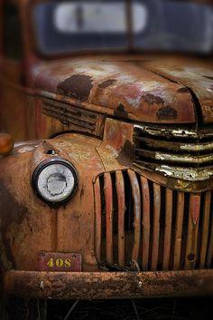 Rusty Truck - Lancaster, PA by crabsandbeer (Kevin Moore), via Flickr