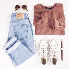 love the faded levis and chunky sweater - Outfits - Teenage Outfits, Teen Fashion Outfits, Mode Outfits, Womens Fashion, Tumblr Fall Outfits, Latest Fashion, Dress Fashion, Fashion Top, Sweater Fashion