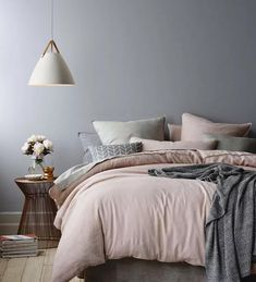 Wonderful Tips: House Interior Painting White living room paintings with wood trim.Bedroom Paintings Geometric interior painting tips thoughts.Interior Painting Tips People. Dream Bedroom, Home Bedroom, Master Bedrooms, Grey Bedroom Walls, Blush Bedroom Decor, Scandi Bedroom, Bedroom Ideas Grey, Modern Grey Bedroom, Pink Master Bedroom
