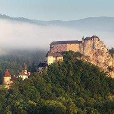Orava castle is one of the most beautiful and largest castles in Slovakia and it is situated on a high rock above the Orava river. Visit Orava castle with time for slovakia Green Warriors, Big Country, Central Europe, Lonely Planet, Czech Republic, Homeland, Continents, Monument Valley, Grand Canyon