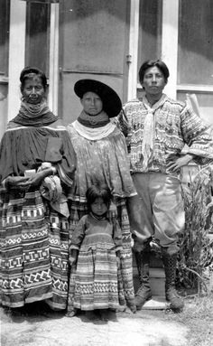 Seminole women wore lots of glass bead necklaces to look fancy thruout their life