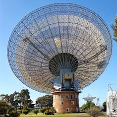How can I even begin to understand the Beauty of this? Radios, Under Wonder, Radio Astronomy, Cultura General, Radio Wave, Space Program, Space Exploration, Out Of This World, Telescope