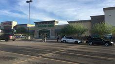 <p>El Paso, Tx.- La policía de El Paso se encuentra investigando un incidente afuera de un centro comercial en el noreste de la ciudad.</p>  <p>Esta