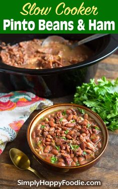 Slow Cooker Pinto Beans and Ham is a simple recipe that is hearty, filling, and delicious! This is real comfort food! This crock pot pinto beans and ham is a slow cooker dump and start recipe. So easy to make crock pot pinto beans. simplyhappyfoodie.com #slowcookerpintobeans #crockpotpintobeans Pinto Beans Recipe Slow Cooker, Crockpot Pinto Beans Recipe, Southern Pinto Beans Recipe, Crockpot Ham And Beans, Ham Hocks And Beans, Dry Beans Recipe, Pinto Bean Recipes, Slow Cooker Beans, Ham And Bean Soup