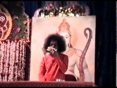 1989-03-01_Sai Baba darshan in Muddenahalli.