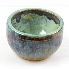 Strontium Crystal Magic and Floating Blue over Seafoam on a sodium silicate crackle wheelthrown bowl  #ceramics #ceramic #pottery #clay #claystagram #instapottery #ironstone #handmade #glaze #cone6 #wheelthrown