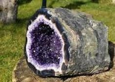 Add amethyst to your meditation practice!