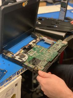 Your laptop may fall from a table or your desktop may be knocked over. We cannot plan for it, but our NYC computer repair techs are r Computer Password, Computer Help, Computer Technology, Pc Repair, Laptop Repair, Computer Repair, Work Goals, Diy Table, Hong Kong