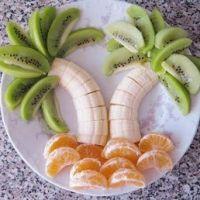 Banana Palm Trees Recipe      2 bananas      2 or 3 kiwis      2 tangerines