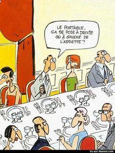 "De quel côté se pose le téléphone portable ? - where do I put my cell phone, on the left or the right of the plate"""