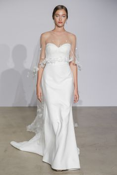 The 9 Fall 2018 Wedding Dress Trends Brides Need to Know | Brides