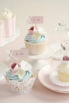 Pastel Wedding Cupcakes, how pretty are these? J'aime Les Bonbons is part of our Treasure Trunk Giveaway of $7,000 in wedding services! Don't miss it http://www.northforkweddings.com/wedding-showcase/