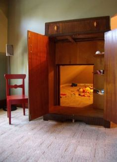 Funny pictures about Secret playroom: Narnia in your own wardrobe. Oh, and cool pics about Secret playroom: Narnia in your own wardrobe. Also, Secret playroom: Narnia in your own wardrobe. Home Design, Design Ideas, Bed Design, Casa Kids, My New Room, My Dream Home, Dream Kids, Future House, Sweet Home