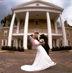 #Bride and #Groom posing at the #BrynDuMansion.