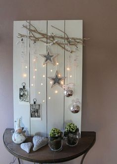 Tree Branches and Pallets for Christmas Decorations | http://www.designrulz.com/design/2015/11/tree-branches-and-pallets-for-christmas-decorations/