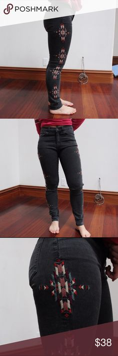 Urban Outfitters jeans Embroidered high waisted jeans from Urban Outfitters! Super comfy with a good amount of stretch and structure. Shade is a grayish black. Adds great shape when wearing and only worn twice! (Photo is of my sister | not taken from any website) Urban Outfitters Jeans Skinny