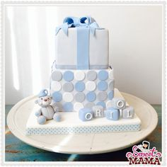 Christening cake for a baby boy #christening #cake #babyshower www.sweetmama.es