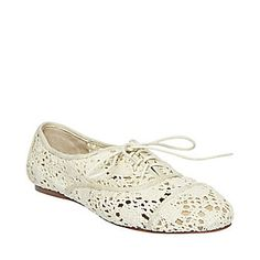 Want. So. Bad.   Steve Madden crochet oxfords